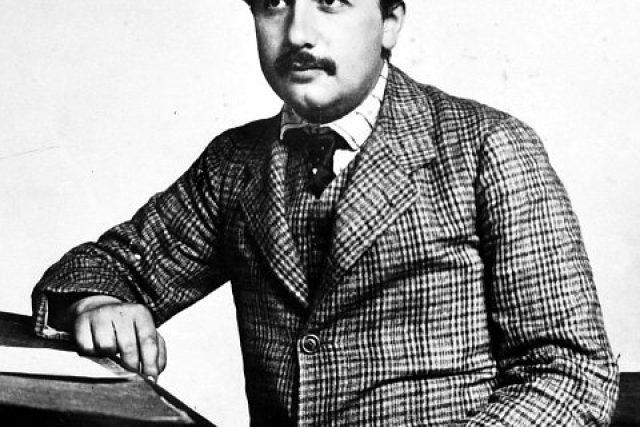 Albert Einstein na Patentovém úřadě v Bernu  (fotografie z roku 1905) | foto:  Albert-Einstein-Archiv,  Lucien Chavan