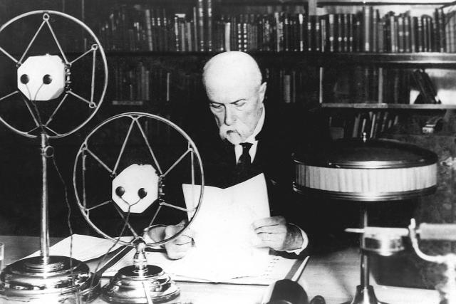 První československý prezident T. G. Masaryk promluvil v roce 1932 k americkým posluchačům.