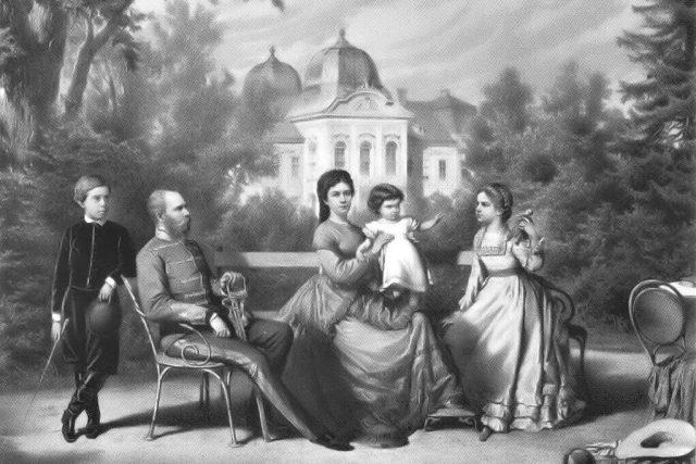 Rakouská císařská rodina v Göddollo,  děti Rudolf  (* 1858),  Valerie  (* 1868) a Gisela  (* 1856) | foto: Wikipedia,  public domain - volné dílo,   autor neznámý 2