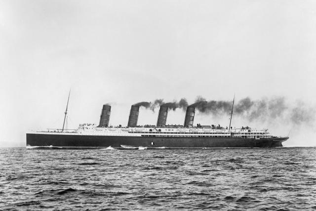 Zaoceánskou osobní loď RMS Lusitania potopilo 7. května 1915 torpédo vypálené z německé ponorky U 20. Z dvou tisíc cestujících na palubě se jich 1198 utopilo,  mezi nimi 128 Američanů | foto:  © IWM