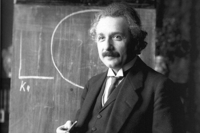 Albert Einstein v roce 1921 | foto: licence Public Domain,  volné dílo,  Ferdinand Schmutzer  (1870 - 1928)