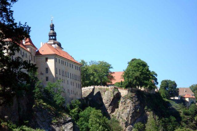 Pohled na zámek v Bechyni od Lužnice | foto: licence Creative Commons Attribution-ShareAlike 3.0 Unported,   Zkf