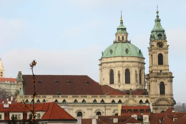 Kopule chrámu sv. Mikuláše patří neodmyslitelně k pražskému panoramatu  (foto uživatel Ludek) | foto: licence Creative Commons Attribution 3.0 Unported