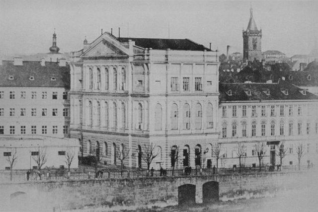 Wilhelm Rupp: Pražské Prozatímní divadlo | foto: Wikipedia,  public domain - volné dílo