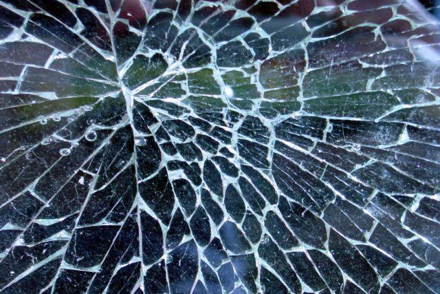 Může se stát,  že děti rozbijí sousedovi okno  (ilustrační foto)   foto: Fotobanka Morquefile