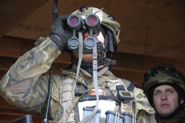 Čeští vojáci cvičí v Německu v simulované afghánské vesnici