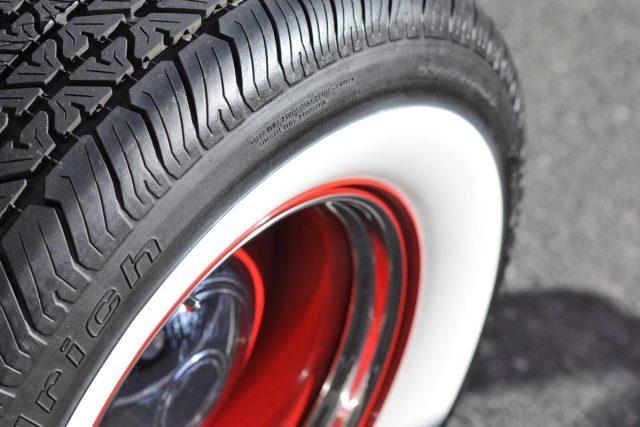 Nová pneumatika  (ilustrační foto) | foto:  Bob Jagendorf,   licence Creative Commons CC BY-NC 2.5