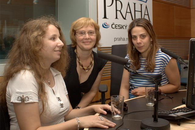 Kateřina Lingová,  Daniela Brůhová a Aneta Langerová | foto: Jan Sklenář