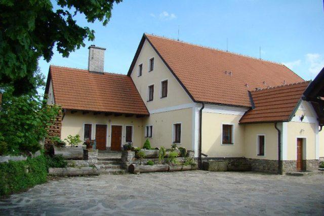 Hájenka na okraji obce Karasín,  kde se narodil Gustav Pfleger Moravský   foto: Lesní společenství obcí s.r.o.
