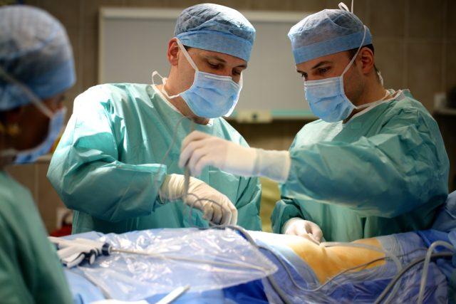 Řetězová transplantace ledvin