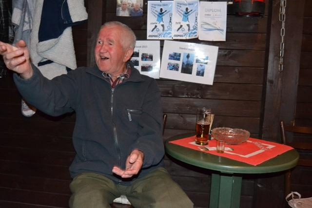 Do Ostravy přijel Bernard Živčák v roce 1954 až z Mníšku nad Popradom hledat práci. Dnes je mu 77,  má děti,  vnuky i pravnoučátko. | foto: Artur Kubica