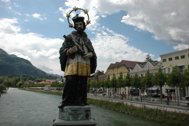 Jan Nepomucký na mostě v rakouském městečku Bad Ischl