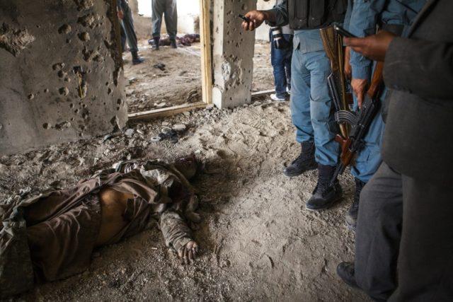 Tálibán přijde k chudému člověku,  dá mu 500 dolarů,  kterými zajistí rodinu,  a on se obětuje a stane mučedníkem,  popisuje princip sebevražedných útoků v Afghánistánu Lenka Klicperová | foto: Lenka Klicperová,  Český rozhlas