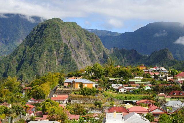 Jak rozmanitá je krajina na ostrově Réunion, tak rozmanití jsou i lidé, kteří tam žijí
