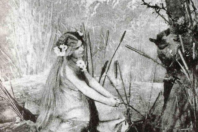 Růžena Maturová jako první Rusalka,  Národní divadlo,  1901 | foto: Wikipedia,  public domain - volné dílo