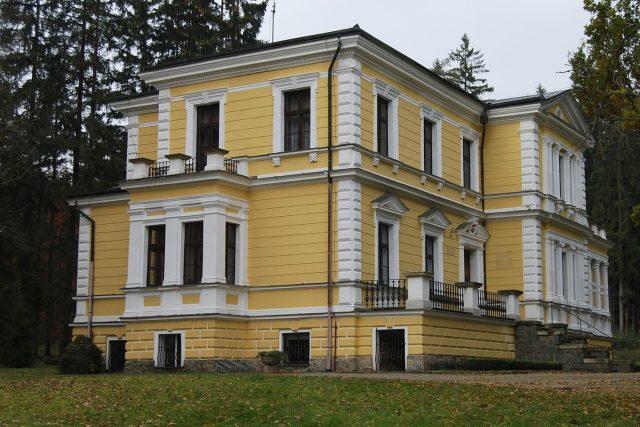 Zámeček ve Vysoké u Příbrami,  dnes Památník Antonína Dvořáka | foto: licence Creative Commons Attribution-ShareAlike 3.0 Unported,   Chmee2