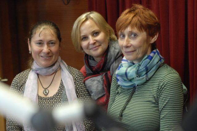 Dana Holíková a Ivona Horská s moderátorkou Tamarou Peckovou | foto: Milan Kopecký,  Český rozhlas