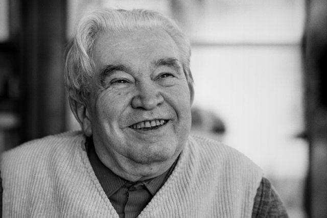 Básník Jaroslav Seifert v roce 1981