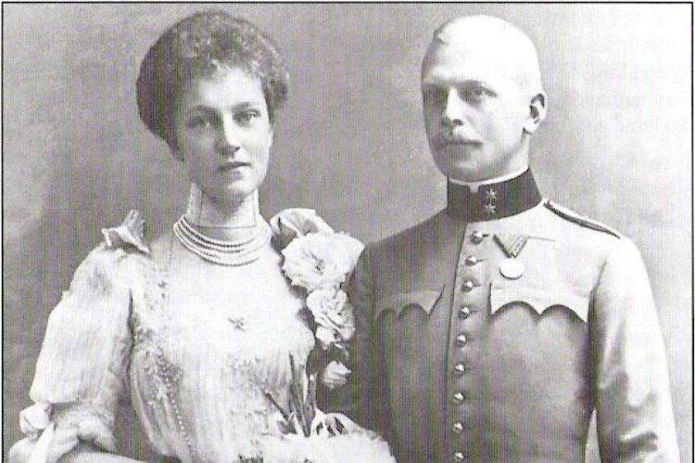 Alžběta Marie Rakouská,  dcera korunního prince Rudolfa,  s manželem knížetem Otou z Windisch-Graetze | foto:  autor neznámý 2,  Public domain