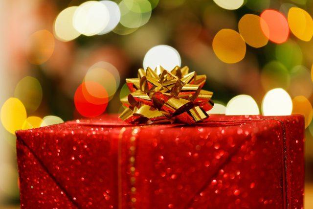 Vánoční dárek (ilustrační foto)