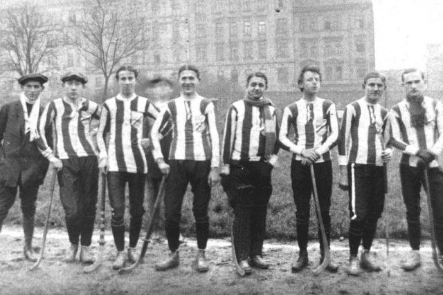 Sparta v roce 1904, tehdy klub bandy hokeje