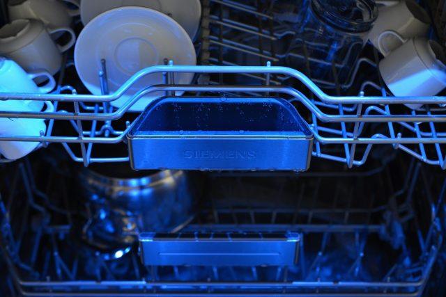 Při výběru myčky se rozhodujte především podle její energetické úspornosti