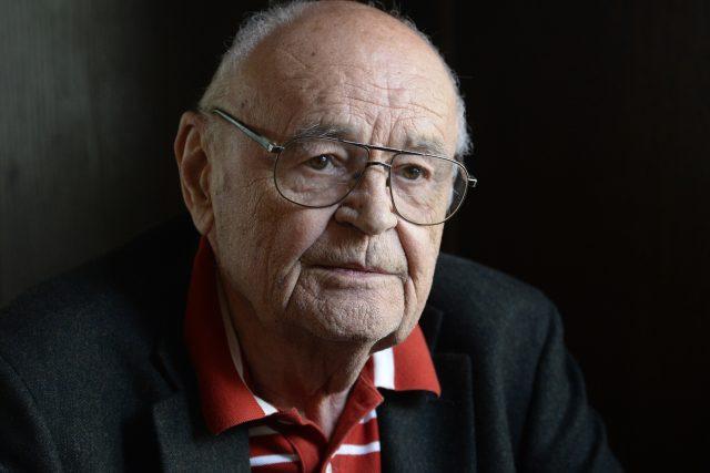 Režiséru Václavu Vorlíčkovi je 85 let