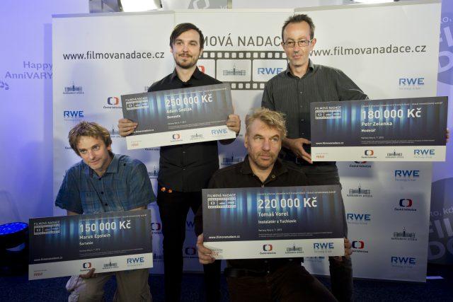 Vítězové scenáristické soutěže Filmové nadace za rok 2015. Zleva Marek Epstein  (Šarlatán),  Adam Sedlák  (Domestik),  Tomáš Vorel  (Instalatér z Tuchlovic) a Petr Zelenka  (Modelář) | foto:  ČTK