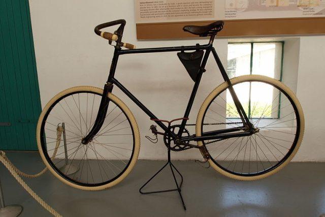 Laurin & Klement,  bicykl Slavia,  model z roku 1896   foto: Wikipedia,  public domain - volné dílo,   AlfvanBeem