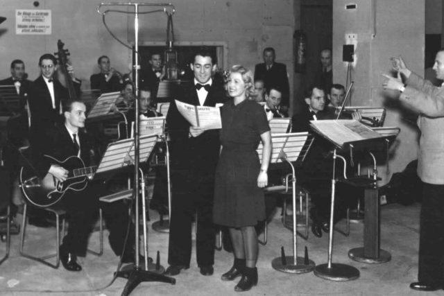 Inka Zemánková-orch.Ferd.Petra a Stanislav Procházka-1944