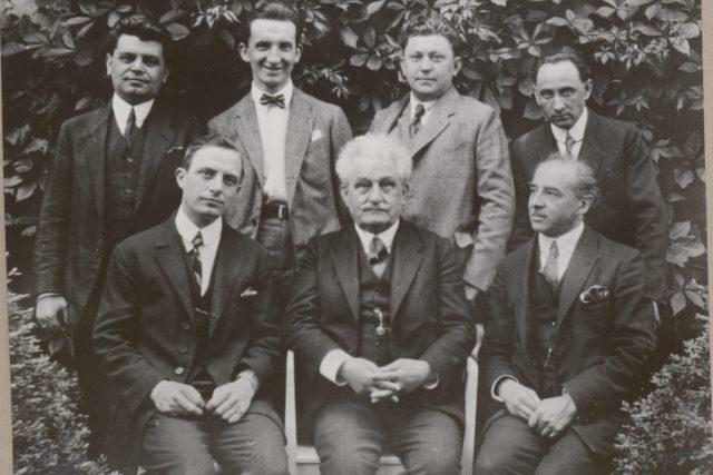 Leoš Janáček se svými žáky | foto: Muzeum města Brna