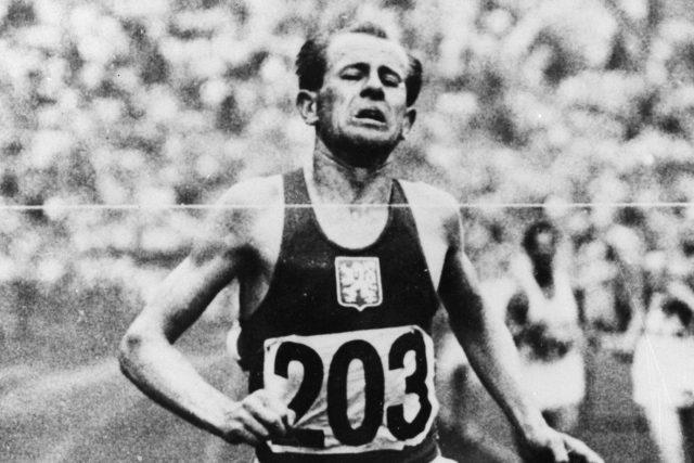 Emil Zátopek před cílem, 1948