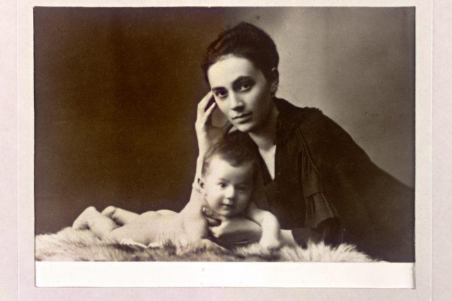 Kamila Stösslova,  pravděpodobně rok 1917 | foto: Oddělení dějin hudby Moravského zemského muzea
