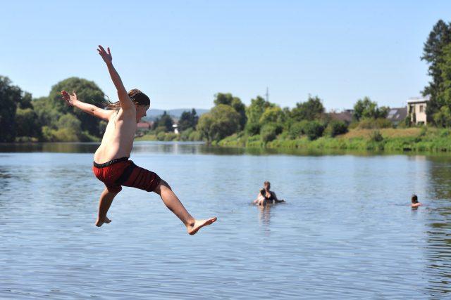 voda, dovolená , teplé počasí, koupání, relax, odpočinek, tropická vedra