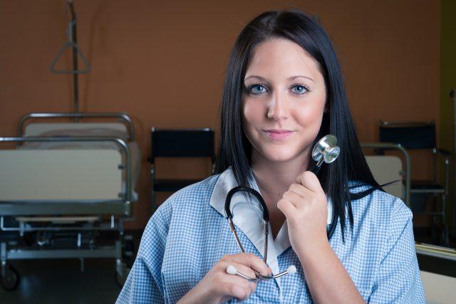 Zdravotní sestry u lůžek dostanou přidáno (ilustrační foto)