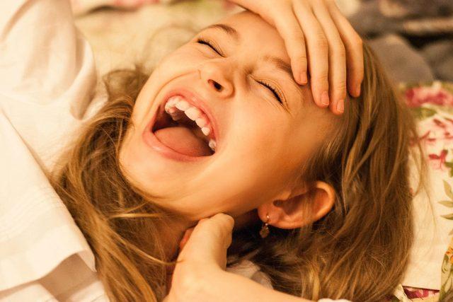 S naprogramováním dobré nálady máte začínat už ráno,  hned po probuzení. Připadá vám už jen představa grimasy smíchu směšná? | foto: Fotobanka Pixabay