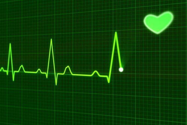 Srdeční arytmie vás obtěžuje a může diskvalifikovat z běžné činnosti,  ale většinou vás bezprostředně neohrožuje na životě   foto: CC0 Public domain