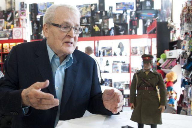 První česká sběratelská figurka majora Zemana v Comics Pointu (Vladimír Brabec)
