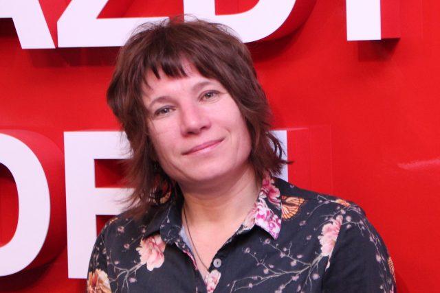 Markéta Pilátová je spisovatelka, lingvistka a také vypravěčka příběhů.