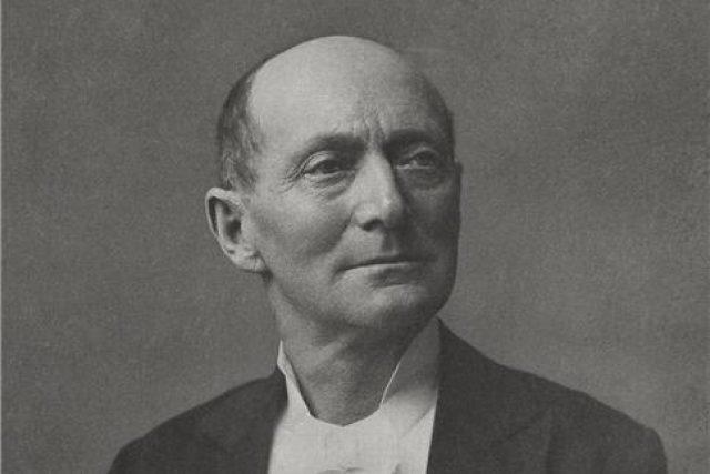 Jindřich Mošna na civilním snímku   foto:  archiv Národního divadla