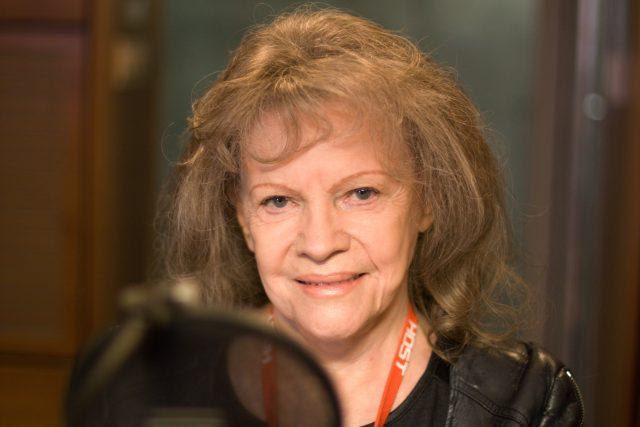 Eva Pilarová ve studiu Českého rozhlasu v roce 2017