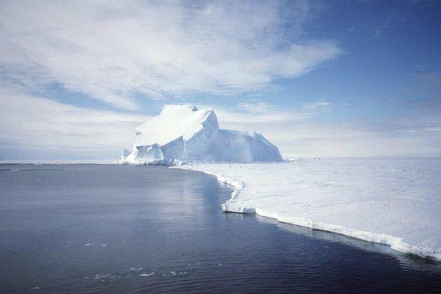 Antarktida - co skrývá pod ledovou přikrývkou?
