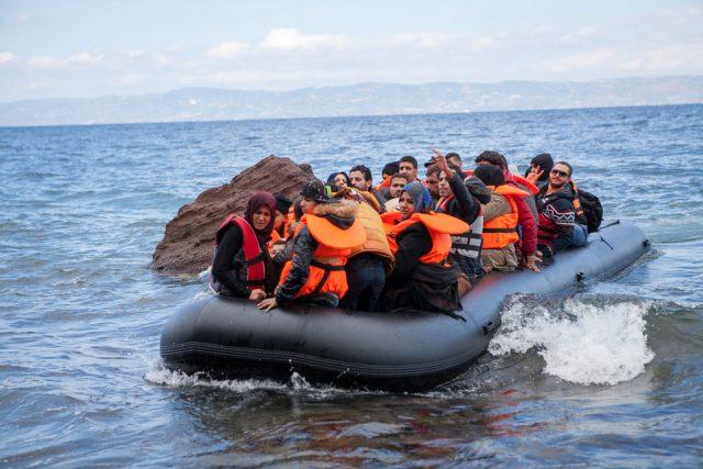 Loď s uprchlíky