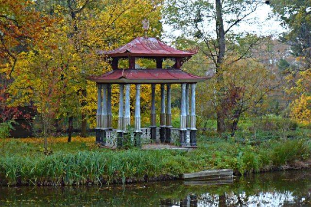 Podzamecká zahrada Kroměříž – Čínský pavilon. Jedna z památek,  kterou chce Czech National trust zachránit   foto: Wikimedia Commons,   Marzper,   CC BY-SA 3.0