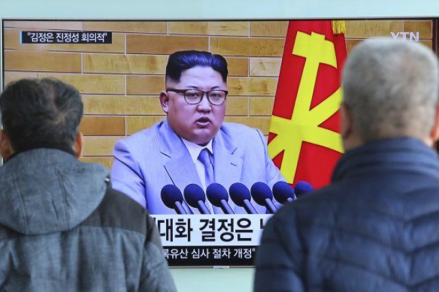 Na pokyn severokorejského vůdce Kima Čong-una bylo po téměř dvou letech obnoveno telefonické spojení mezi nejvyššími představiteli a vládami obou zemí
