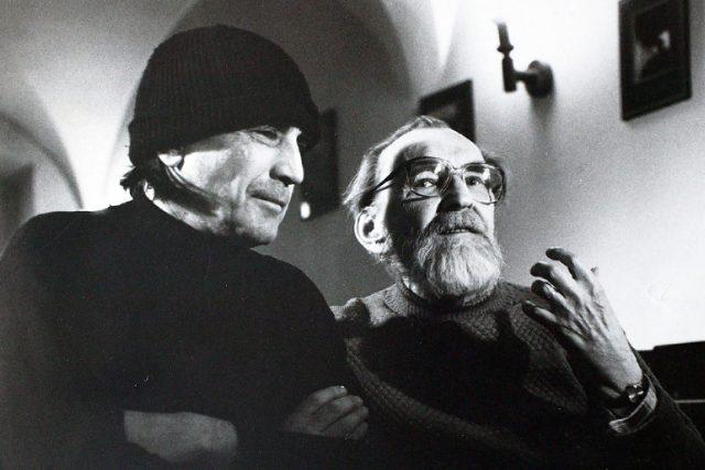 Egon Bondy a Míla Hlavsa v Bratislavě (na konci 90. let)