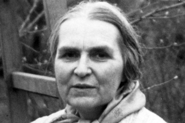 Milada Blekastadová v Dobřichovicích kolem roku 1980