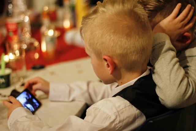Děti a mobil