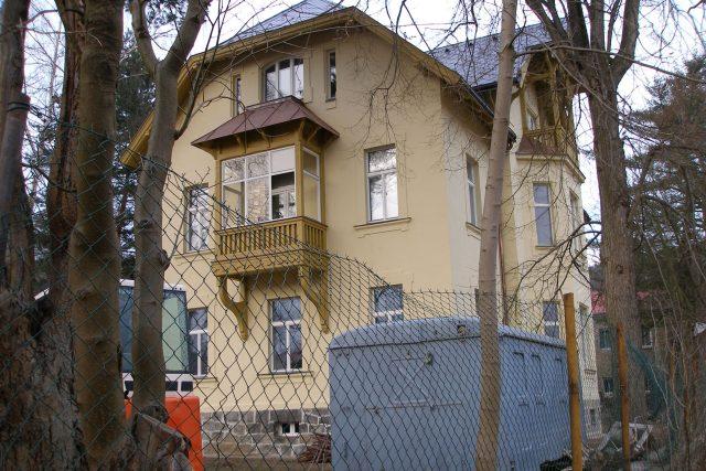 V roce 2007 proběhla v Karlových Varech rekonstrukce německé vily, ve které je dnes sídlo Českého rozhlasu Karlovy Vary