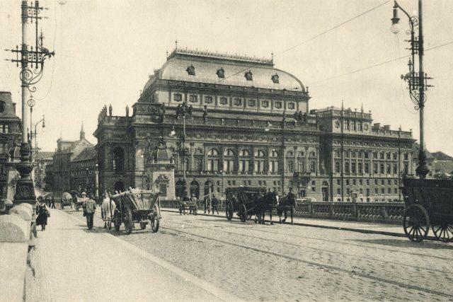 Národní divadlo kolem roku 1909   foto: Fotobanka Profimedia